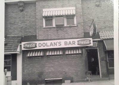 dolans-bar-1954